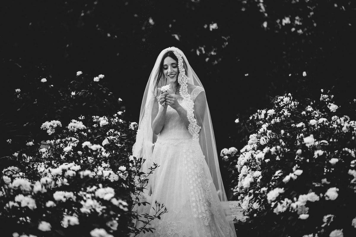 Sposa Tra I Fiori